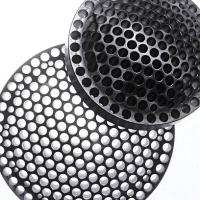 Black and White Breaker Plates
